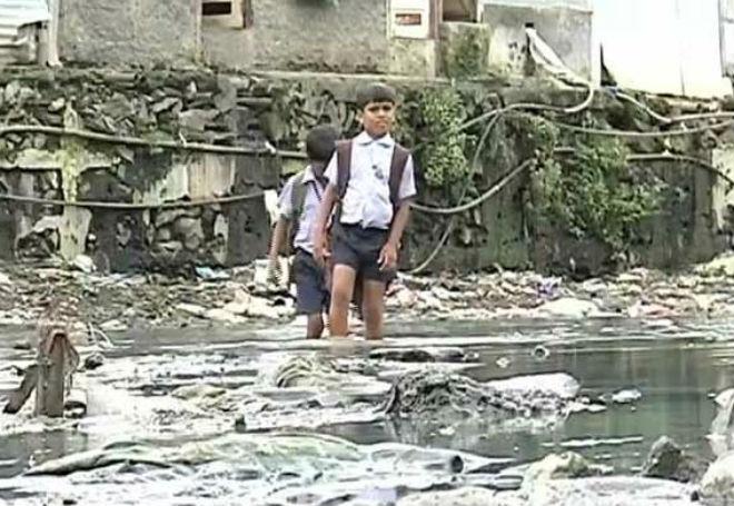 ponte para que crianças pudessem ir à escola