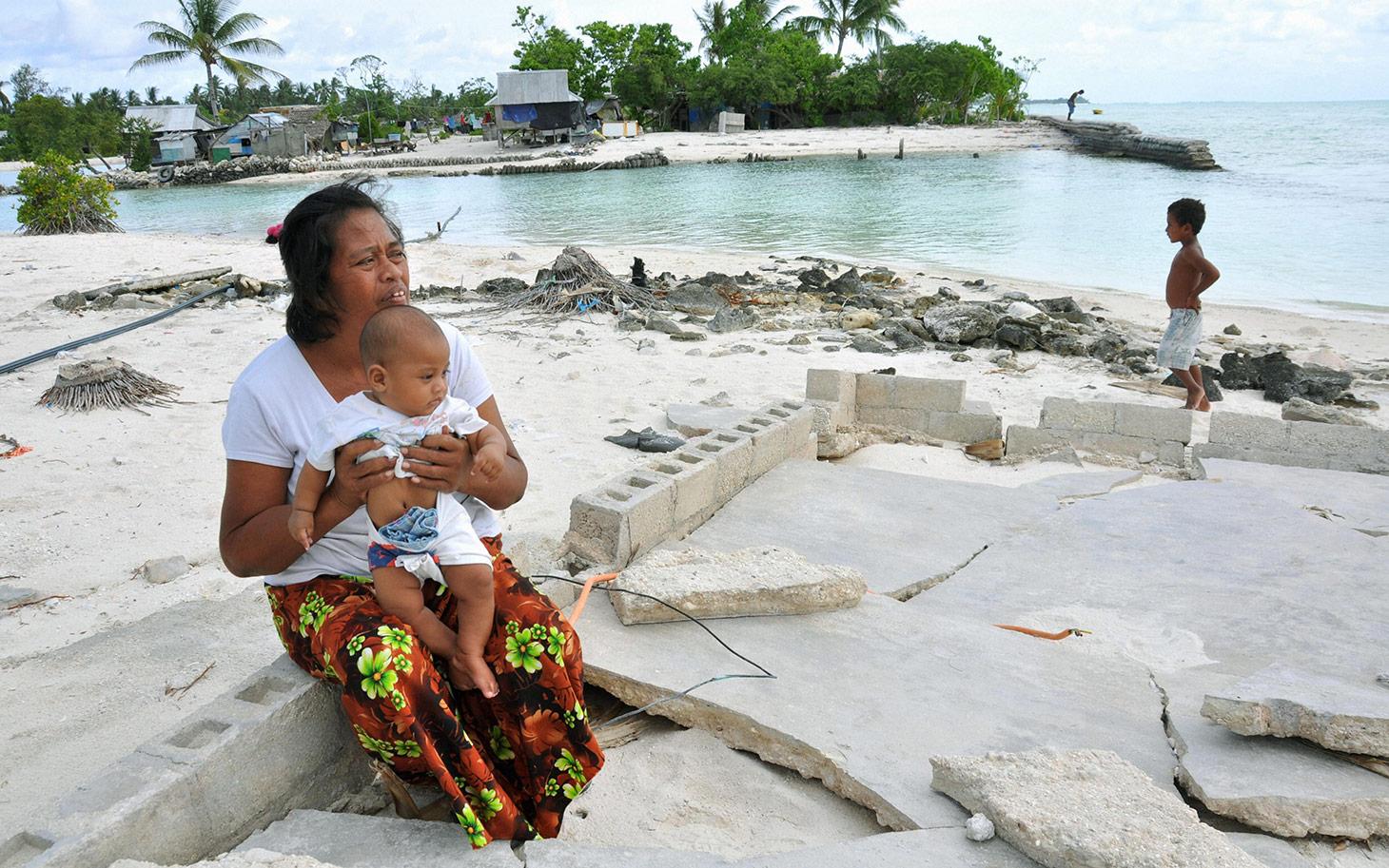 Kiribati people in fear of submergence